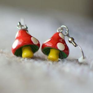 Jewelry - dangle mushroom earrings